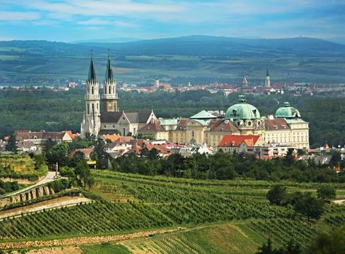 мужской монастырь августинцев Клостернойбург