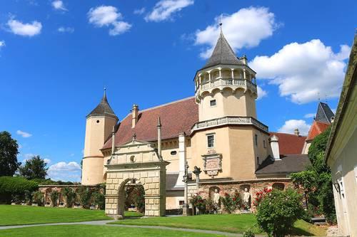 ренессансный замок Розенбург